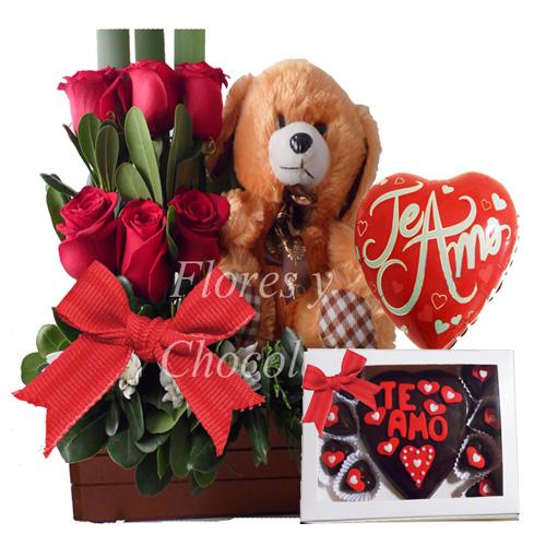 Arreglo De Rosas Y Chocolates De Corazòn Flores Y Chocolates